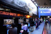 Tokyo Game Show 2017 September 21 2017 Chiba Japan  Visitors try to play the latest video game Call of Duty WWII at the Tokyo Game Show 2017 in