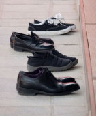 Covid 19 coronavirus can live on the soles of shoes for up to five days The COVID 19 and shoes Apr 2 2020 Shoes which people took off are seen out